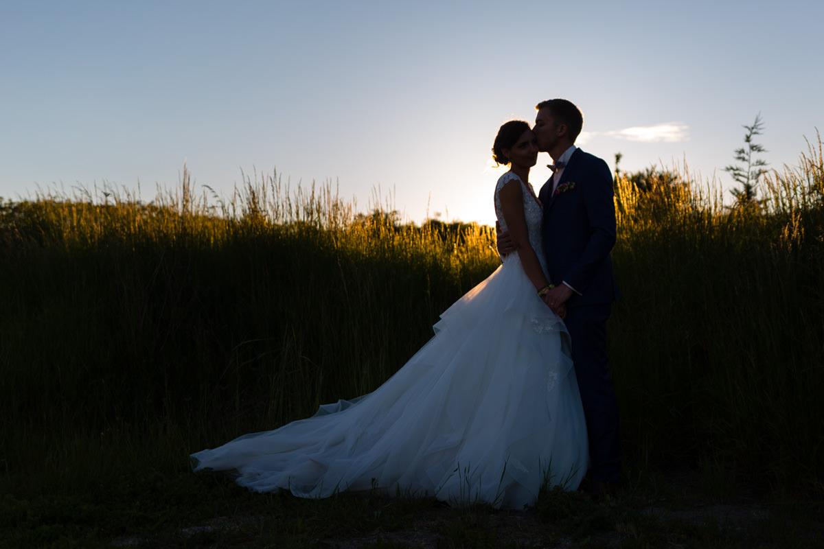 photo de couple de mariés au domaine des templiers