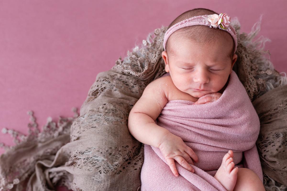photo de petite fille de 10 jours