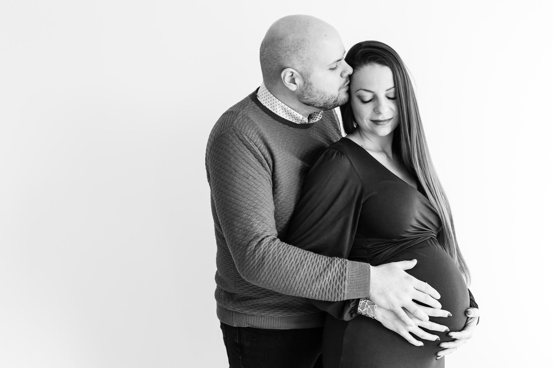 photo de grossesse en couple en studio à metz