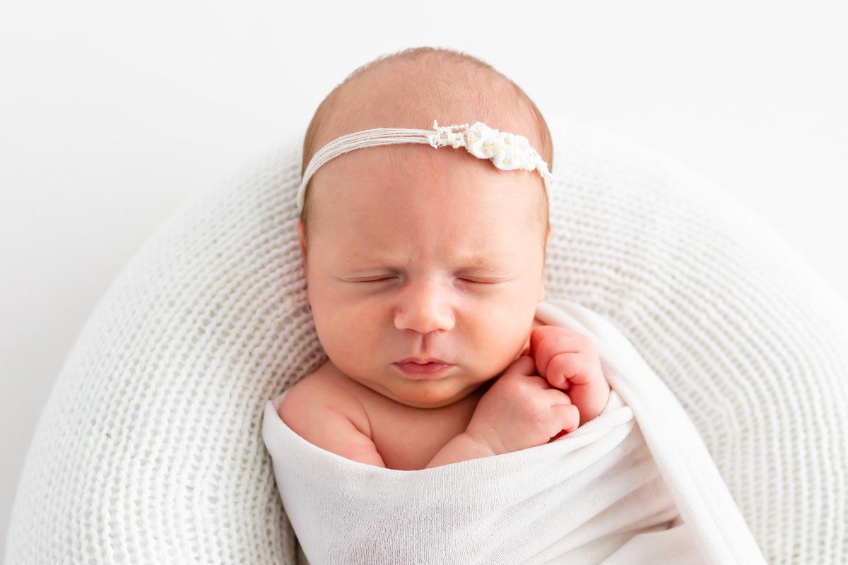 photographe pour nouveau né avec bandeau